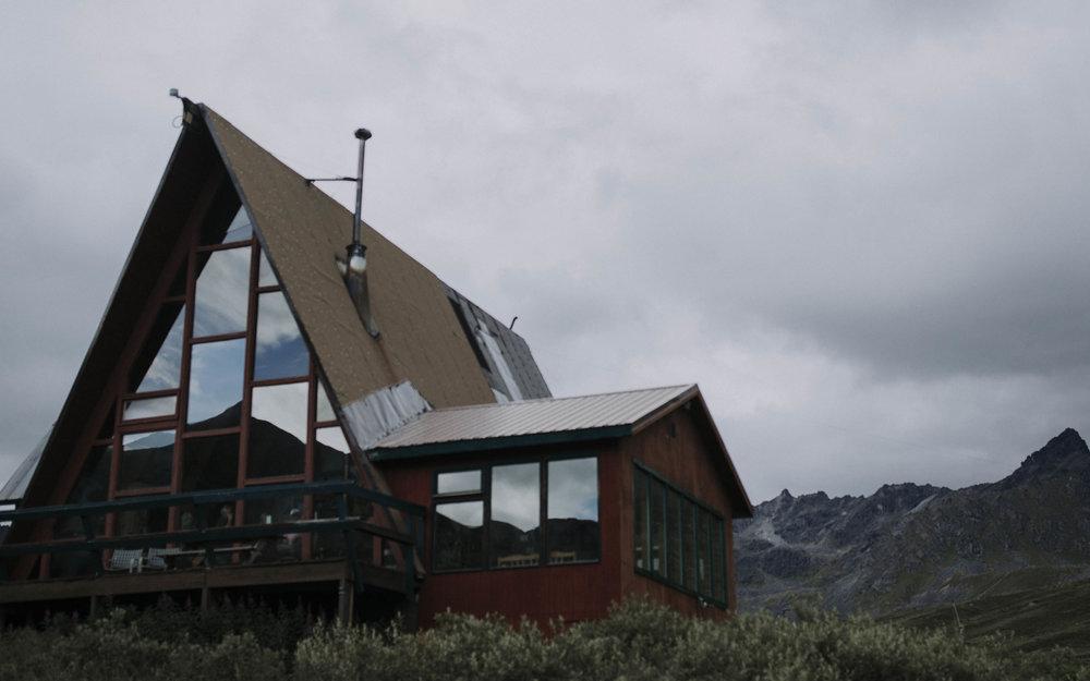 ariel-lynn-alaska-elopement-mountain-inspiration-5.jpg