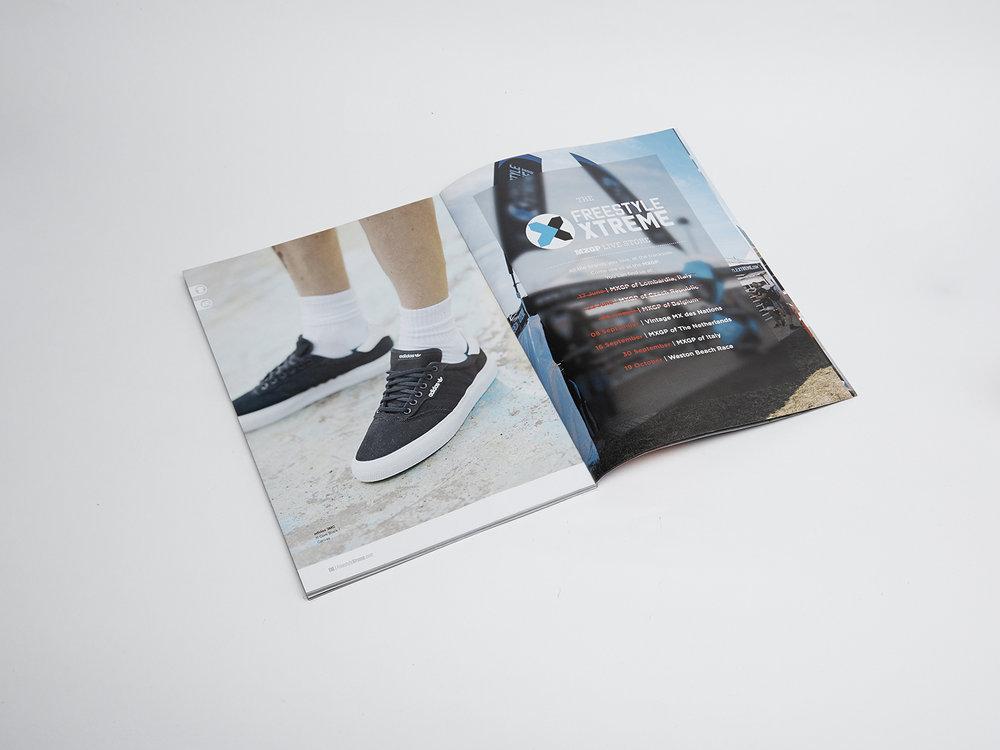 Coffes and Magazine64212.jpg