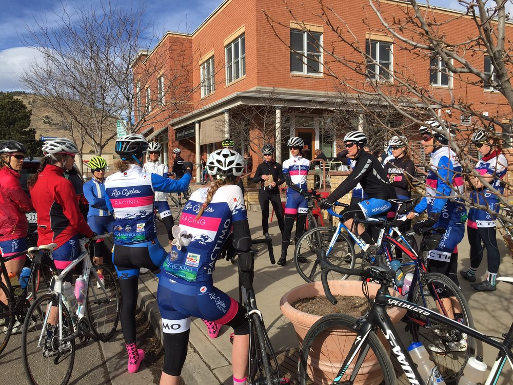 At the start of each ride, Alison gives the riders the specifics of the ride and what skills we will be addressing. Questions are always welcome and encouraged!