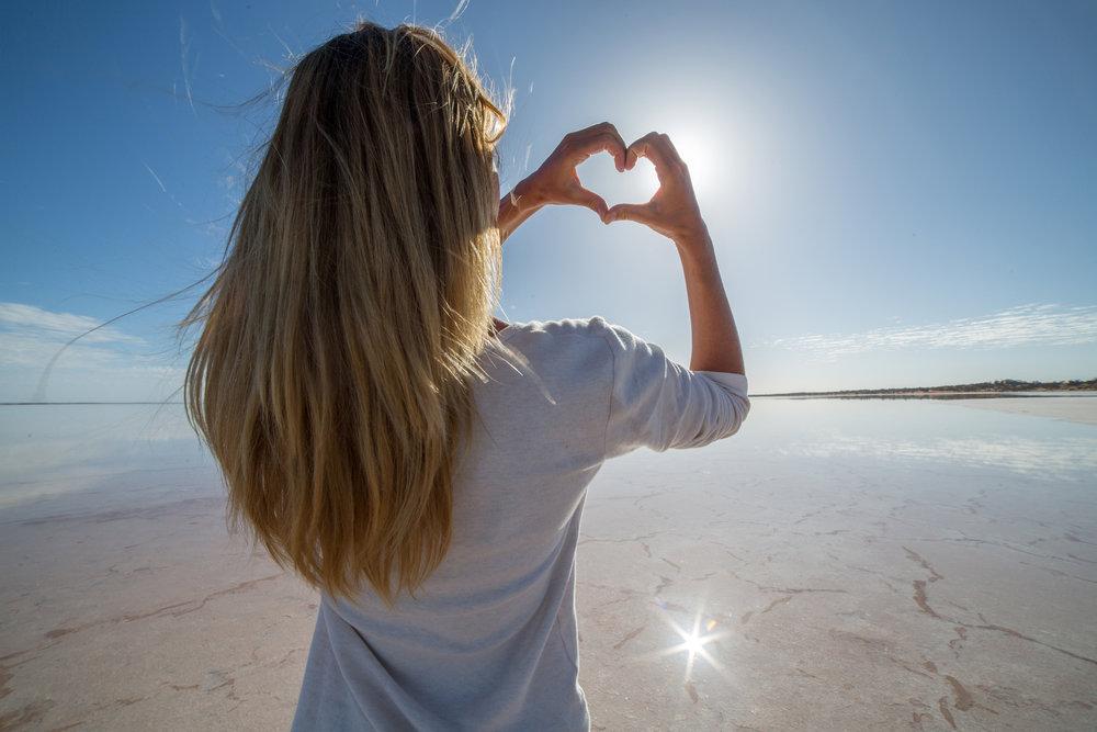 Une Collection de Formations pour s'éveiller à la conscience et à l'amour de soi dans la joie - Pratiquez l'art du bien-être au quotidien en vous formant au Reiki Usui et à d'autres méthodes de bien-être holistique