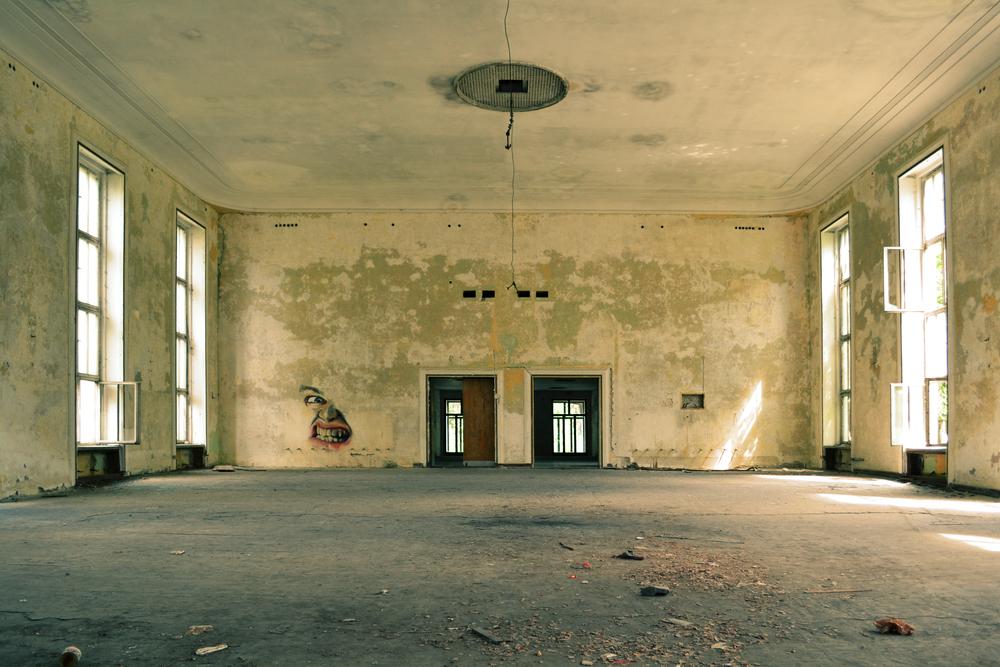 Abandoned-building-needs remodel.jpg