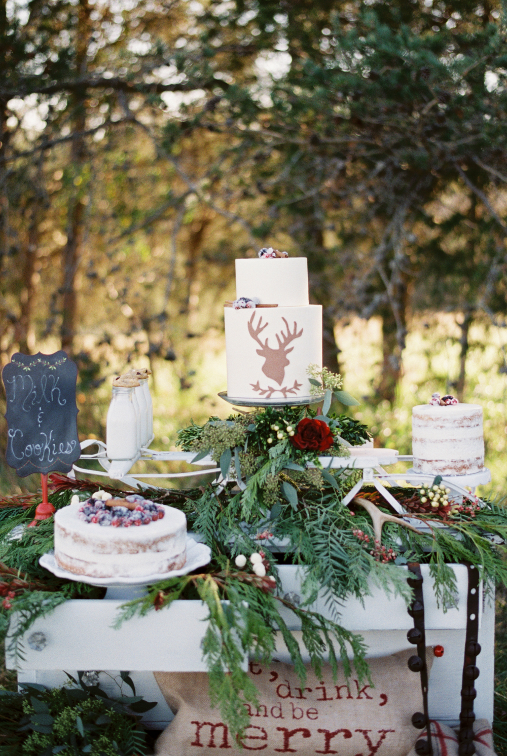 Styled Photo Shoot at Sorella Smith Mountain Lake, VA Photo: Nicole Colwell Photography