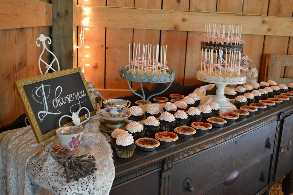 Diamond V Farm Wedding Dessert Bar.jpg