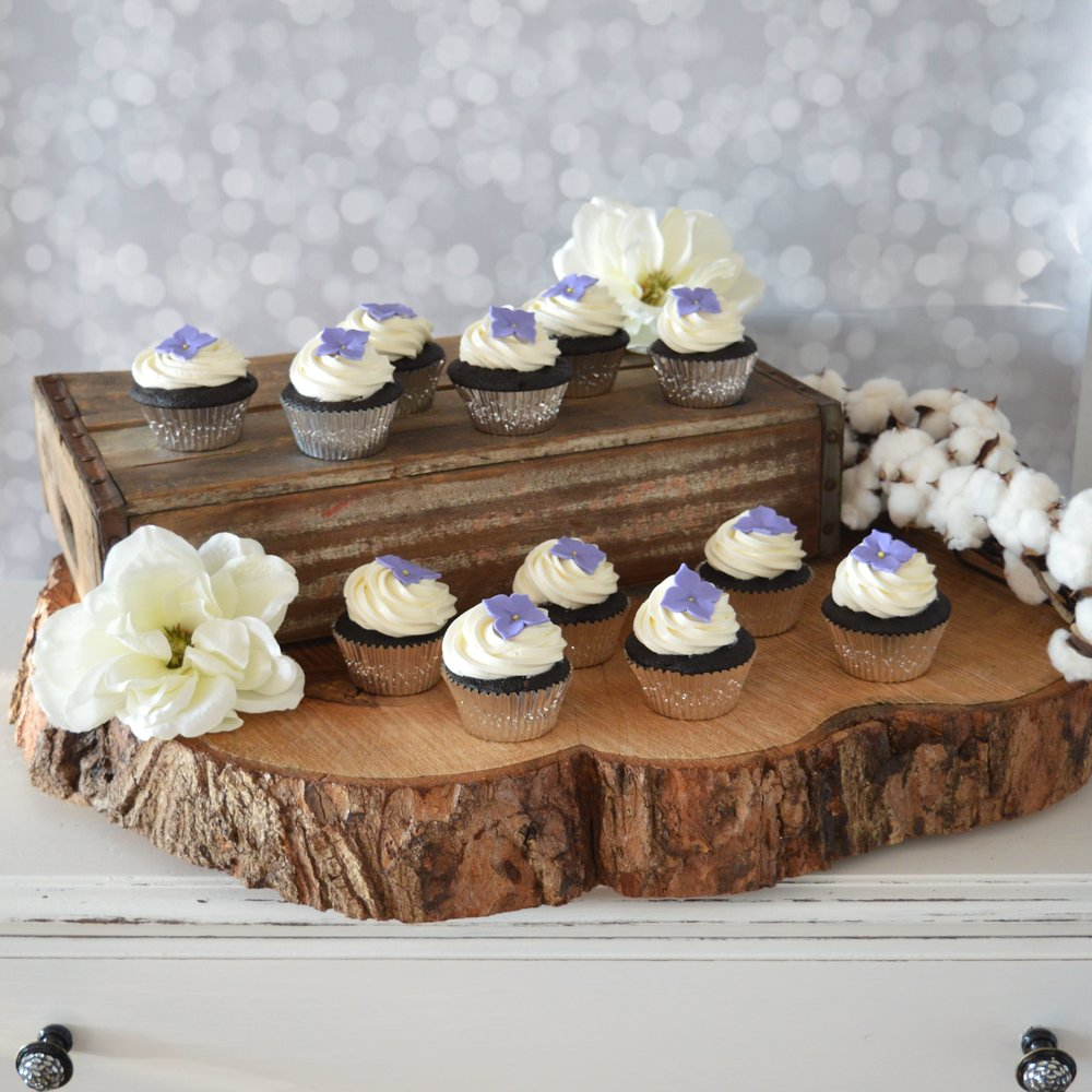Cupcakes Purple Wedding IG.jpg