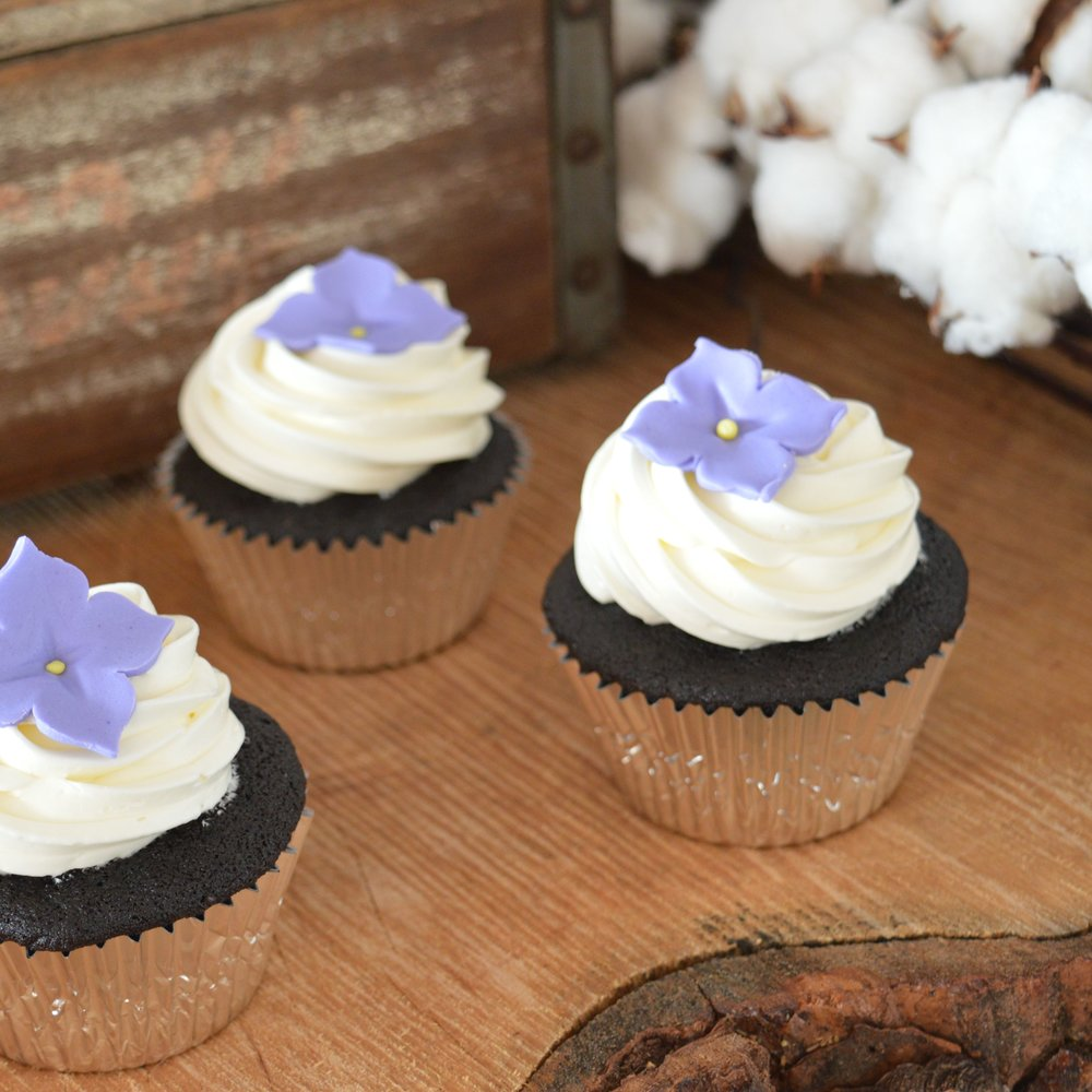 Cupcakes Purple Wedding IG2.jpg