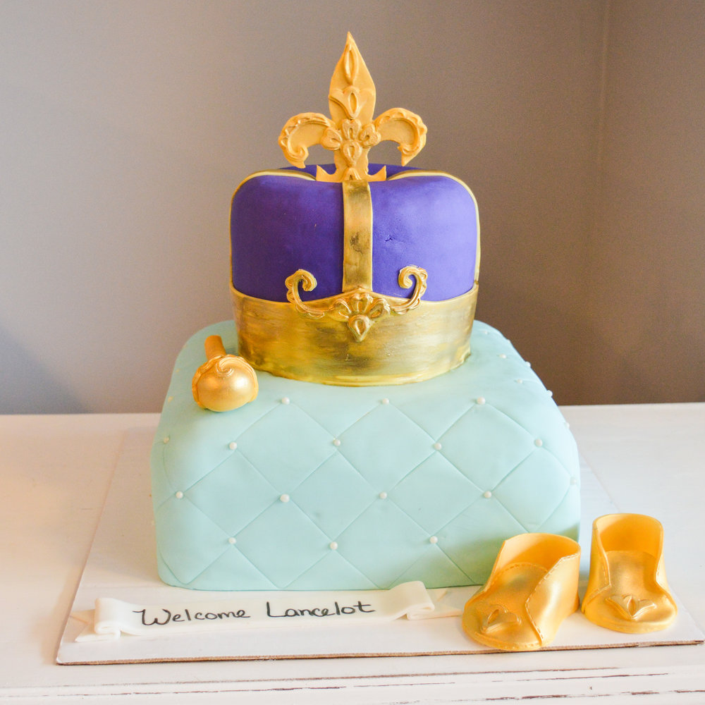 Crown Baby Shower Cake.jpg