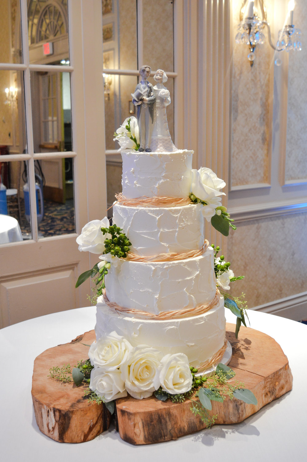 Hotel Roanoke Wedding Cake 2.jpg