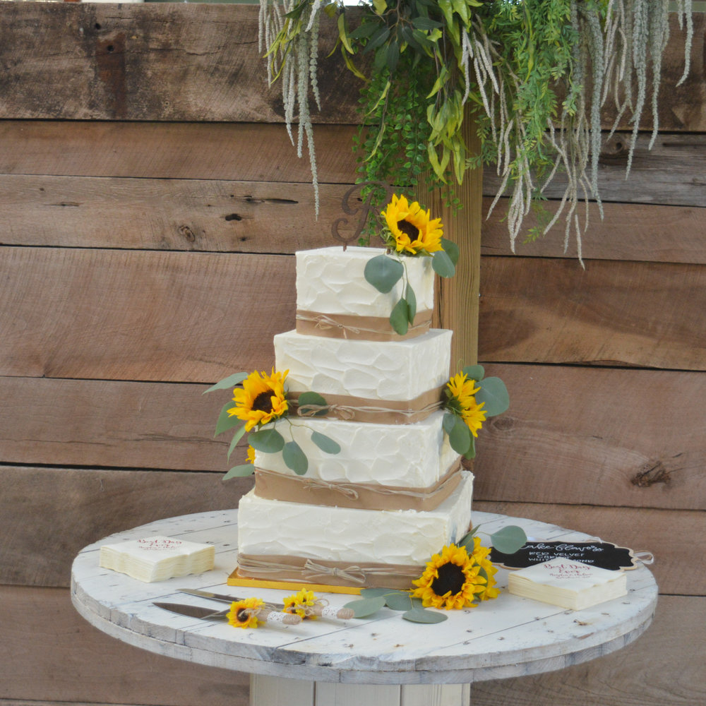 Sunflower Burlap Cake.jpg