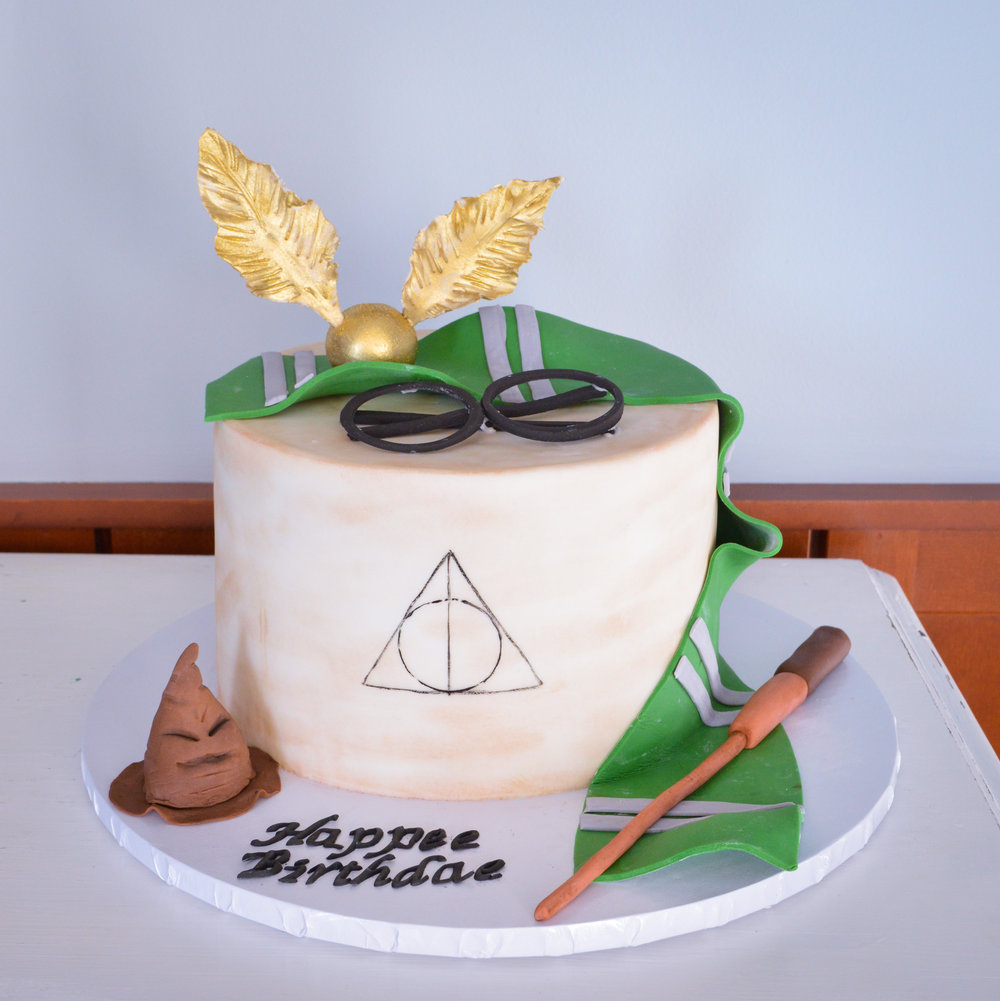 Harry Potter Themed Bday Cake2.jpg