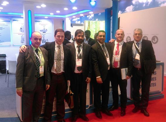Foto tras el acuerdo con la empresa Allengers Exports Sales