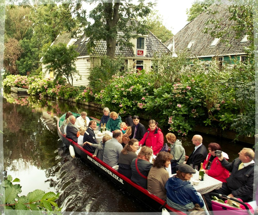 theetuin overleek waterland laag holland old holland high tea fluisterboot dagje uit lunch taart gebak huisgemaakt groepsboot broek in waterland.jpg