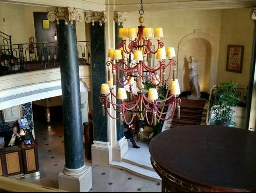 Louvre custom chandelier.png