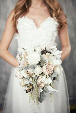 16 Best Winter Wedding Floral Bouquets Tara M Events Wedding