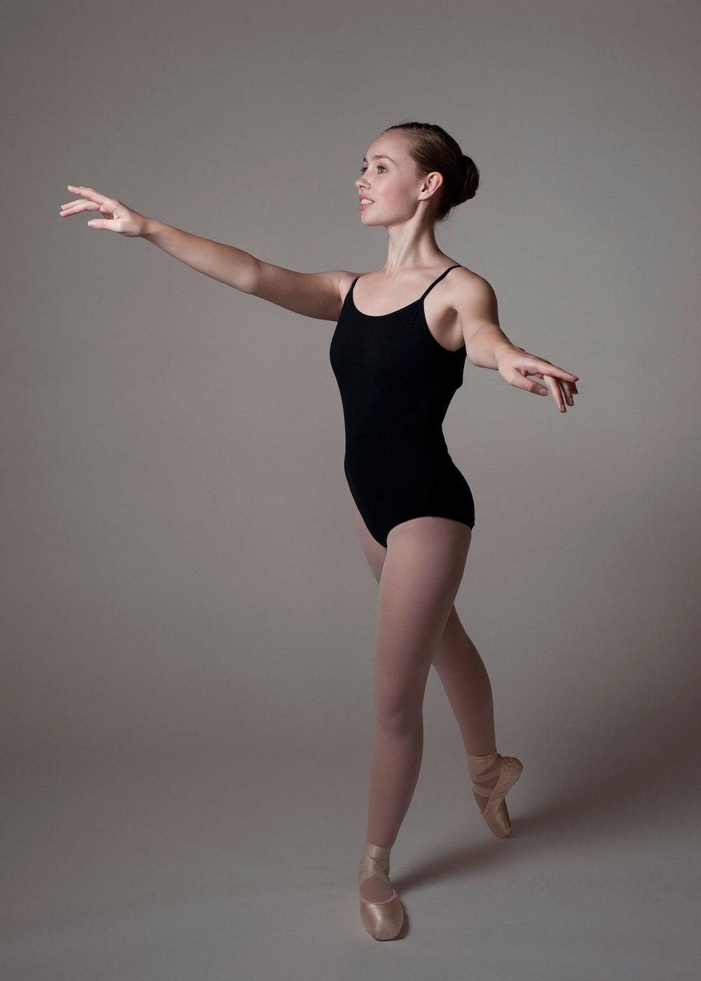 Rachel Nevin, ballet dancer