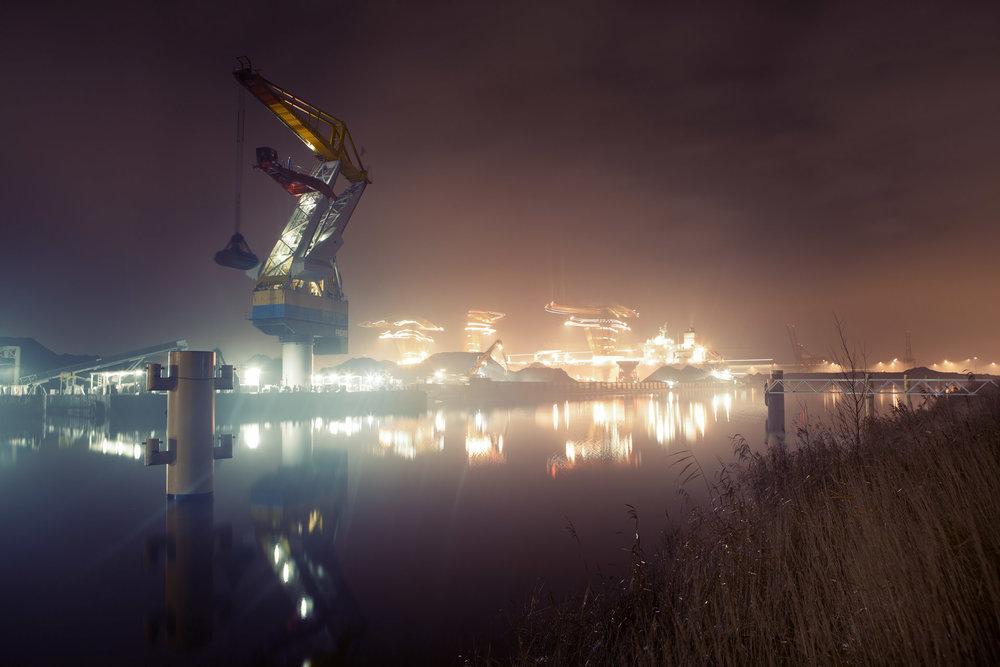 Nacht-hijskraan-westpoort-amsterdam-kade-industrie.jpg