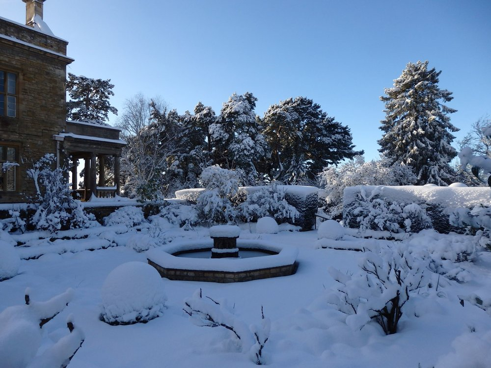 The very White Sunk garden