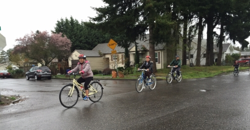 Teresa Raigoza leads a bike ride with ABC (Andando en Bicicletas en Cully).
