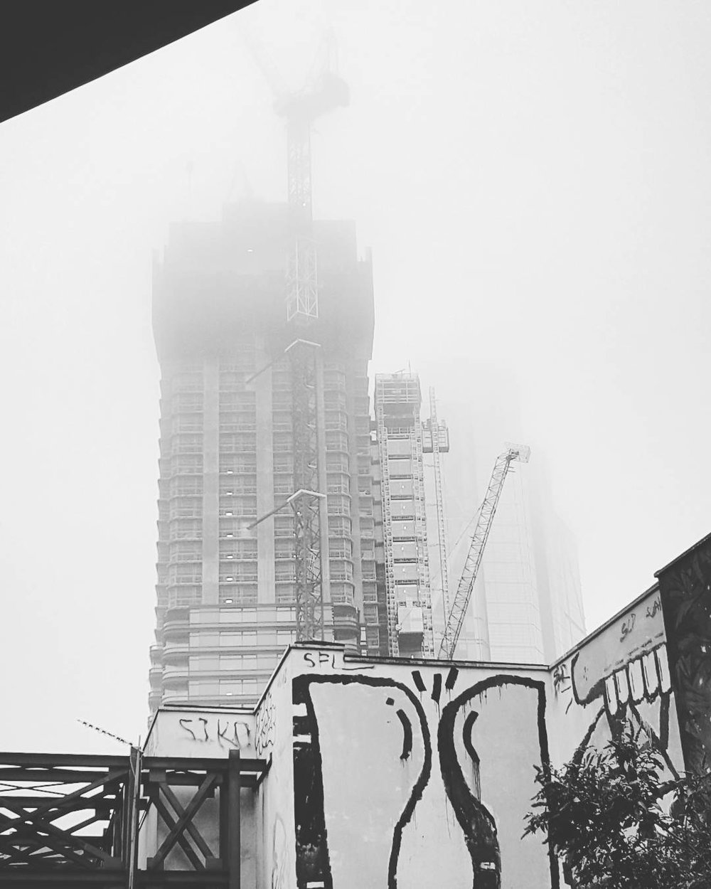 Misty morning in #London.jpg