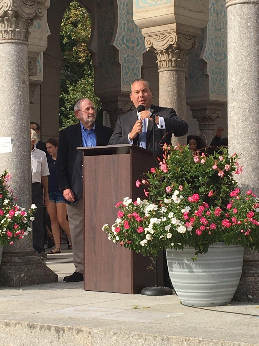 FFEU President Rabbi Marc Schneier addresses the crowd alongside Rabbi Gerry Serotta, Executive Director of Interfaith Council of Metropolitan Washington.