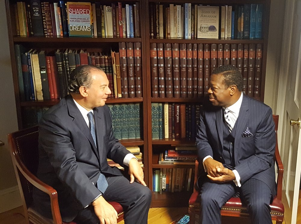 FFEU President Rabbi Marc Schneier (L) interviewed by Al Cohen, Executive Director of When Harlem Saved A King (R).