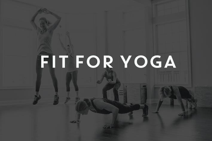 ¿Por qué si un maratoniano debe entrenar la potencia y flexibilidad, un yogui no entrena la fuerza y la activación dinámica? Fit for yoga consiste en un entrenamiento funcional diseñado para practicantes de yoga. Mejorarás la fuerza y el acondicionamiento total del cuerpo logrando fortalecer los grupos musculares más importantes para la práctica, así como activar de forma más dinámica la musculatura movilizadora, en ocasiones un poco olvidada por el yoga. A través de estas clases se equilibran las capacidades físicas y se reducen las lesiones que lamentablemente ocurren en el yoga.