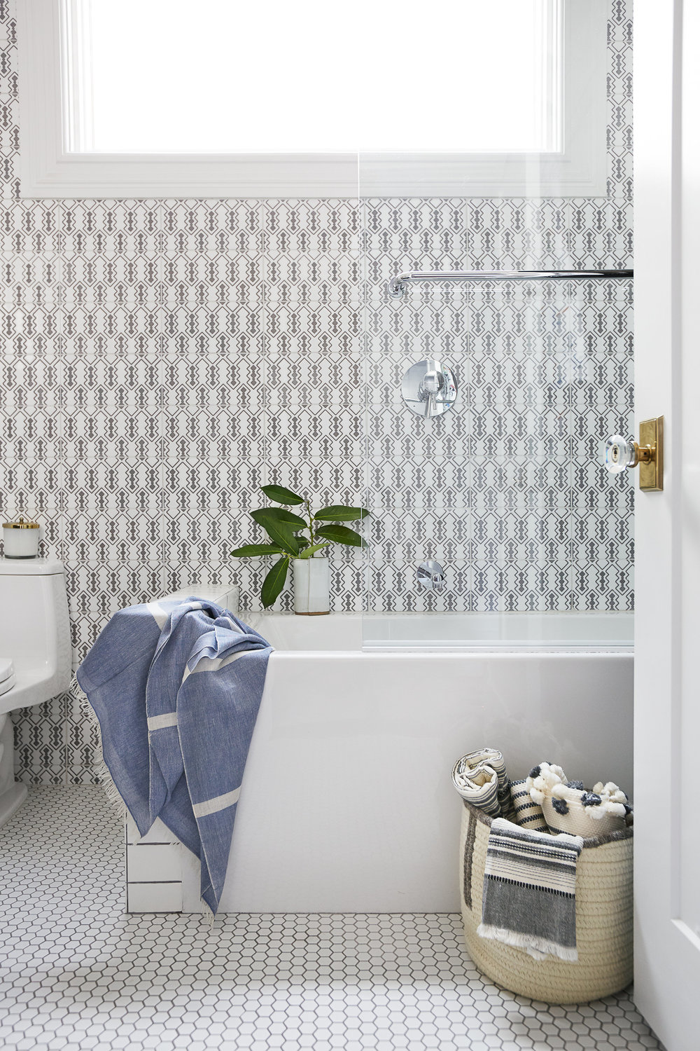 Lauren Nelson Design // California St Home // Powder Room