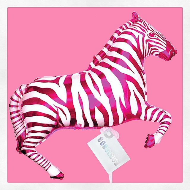 For the Mom who has it all...a pink-striped zebra and the pure joy of balloons 🎈 ✨🎈✨🎈#makesomeonesday #balloondelivery #happymothersday . . . . #mothersday #mothersdaygift #coolgifts #uniquegifts #balloons #balloondelivery #balloonsondemand #pinkzebra #zebraballoon #mylarballoon #mylarballoons #makesomeonesday #atx #austintexas