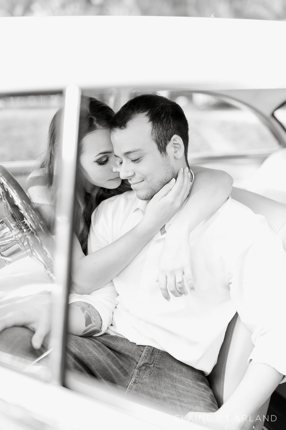 vintage-classic-car-tampa-fl-engagement-13.jpg