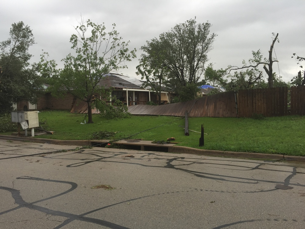 tornado-damage-bryan