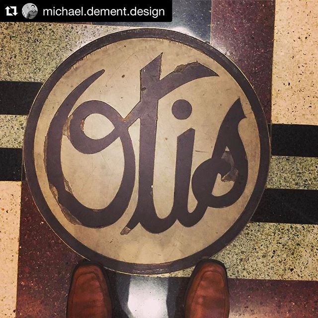 #Repost @michael.dement.design with @repostapp ・・・ Taking the same steps toward genius. The old Otis Elevator building designed by architect Daniel Burnham. #chicago #chicagostreets #genius #architecturelovers #design #branding #signs #signsofthetimes #logo #vintage #entrepreneur #conviercollective