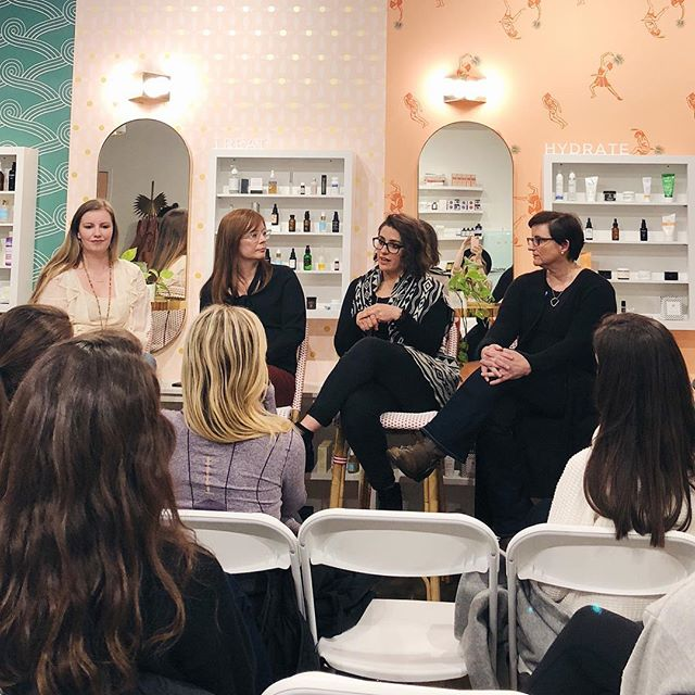 Head over to @lemon_laine's Instagram for the LIVE VIDEO of tonight's panel discussion with fertility experts: • @AnderWilson, MS, RDN, owner of Ander Wilson Nutrition & Co-Owner of Fresh Work. • Emily Pardy, MMFT, Owner of @ReadyNestCounseling • Dr. Norman, @womenobnashville • With Moderator: @AmyLGreen, LMSW, COO Ready Nest Counseling . If you missed tonight's event, @AnderWilson will be back next Tuesday for @LemonLaine's second Super Mom Series: Pre-natal. Mark your calendars. We'll see you there!