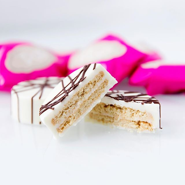 Getting ready for #valentinesday White Ghirardelli chocolate covered Golden Oreo. So rich, so delicious! Individually wrapped or packaged in boxes of 6 or 12 cookies. Order today! 💕