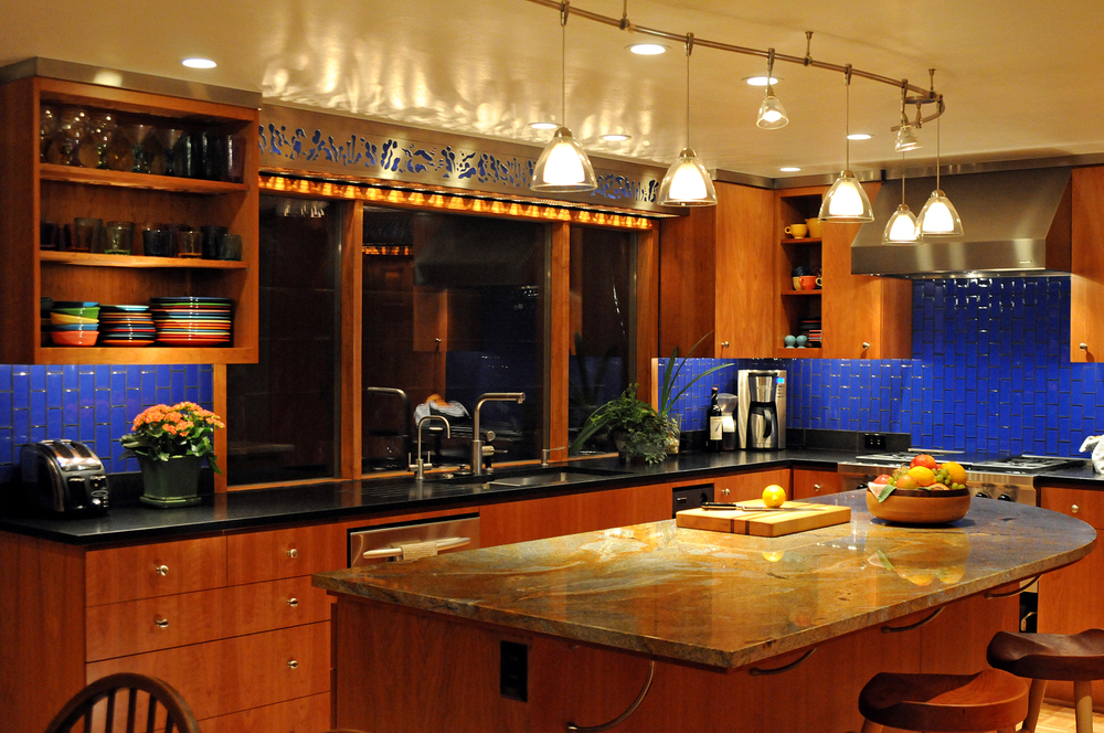 Patterson Kit night horiz DSC_0147web.jpg