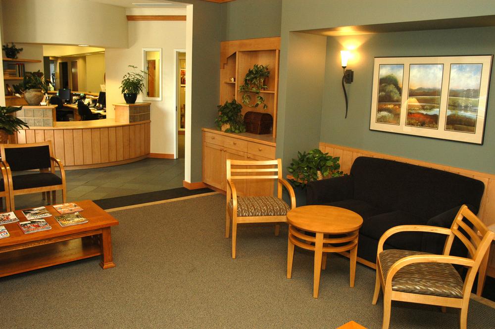 Henneman&Layer Dental waitingweb.jpg