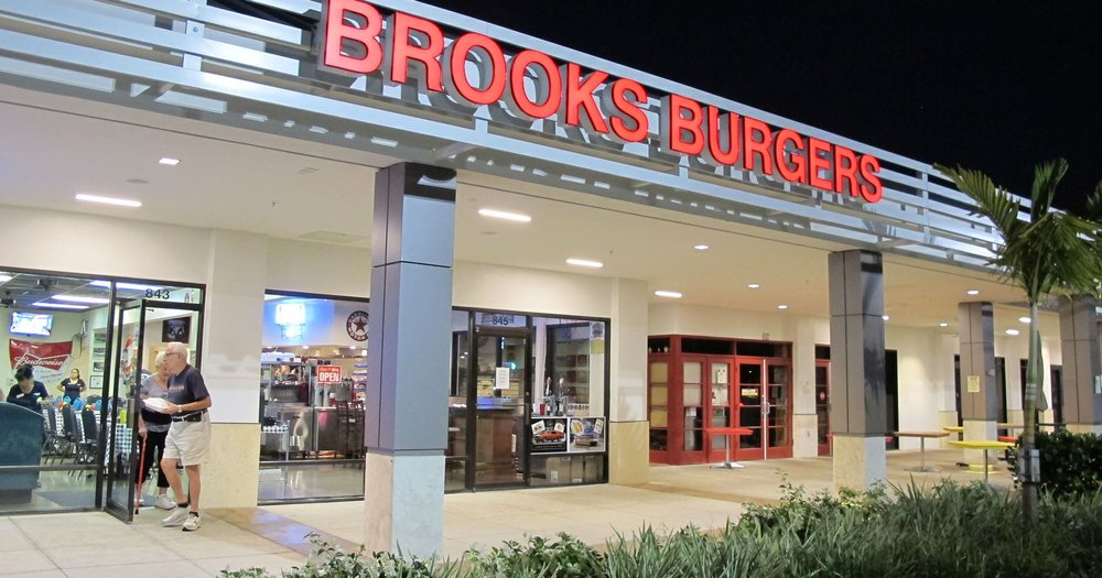 Brooks Burgers Naples Exterior