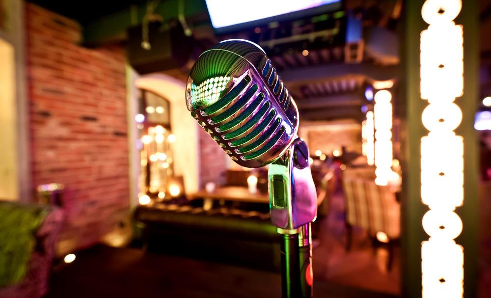 Live music in restaurant
