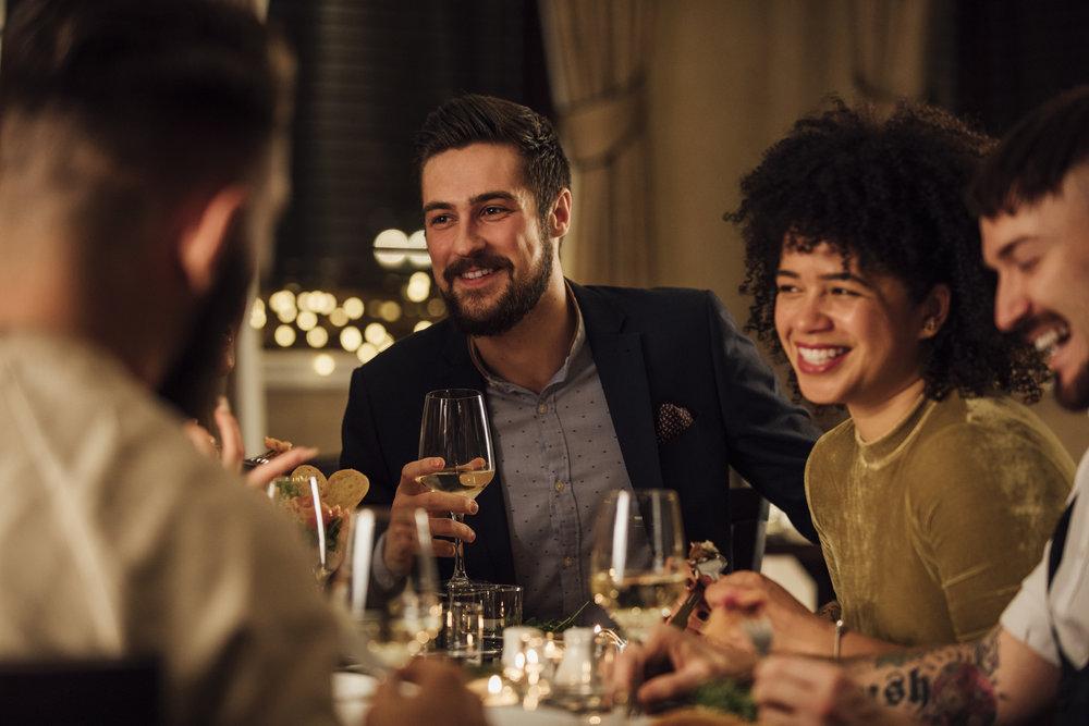 restaurant dining scene.jpeg