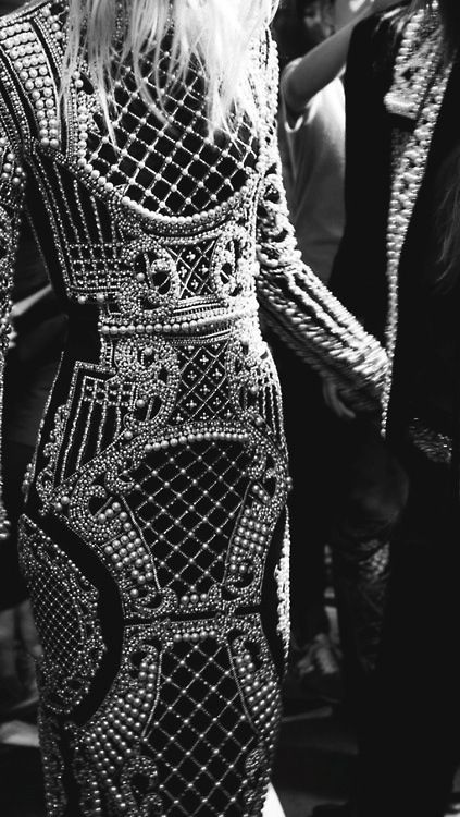 luxury pearl details_balmain
