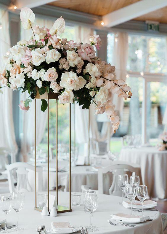 modern pink wedding centrepiece.jpg