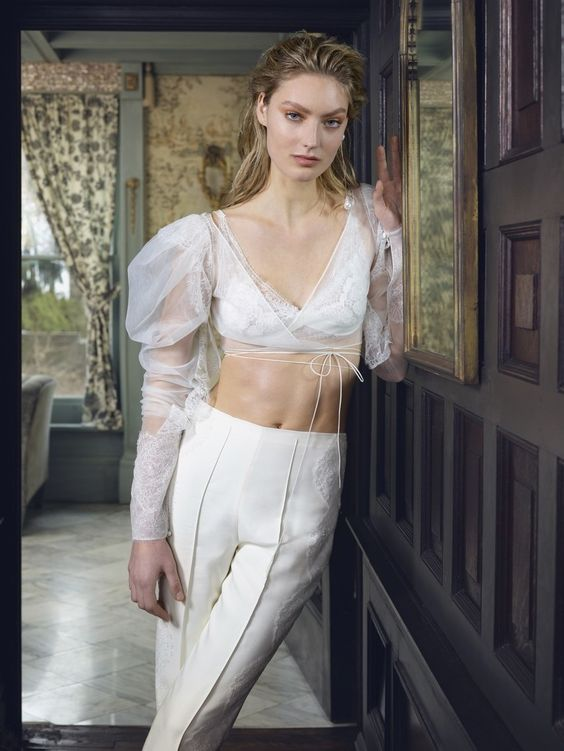 volume sleeves_2019 wedding dress trend