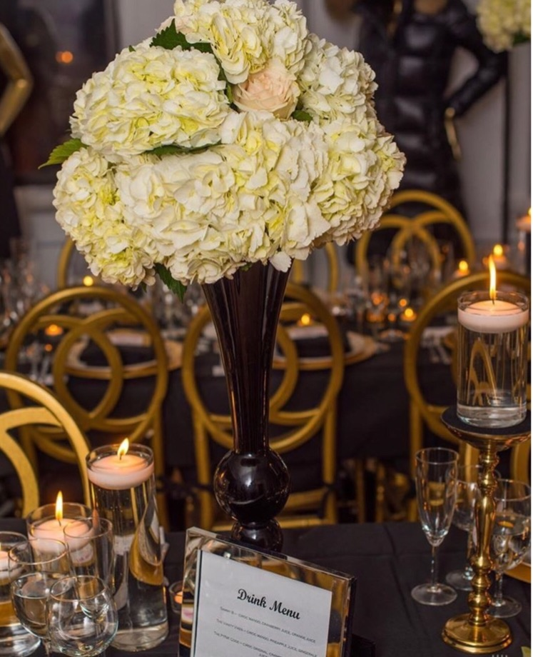 black-and-gold-centerpiece-flowers