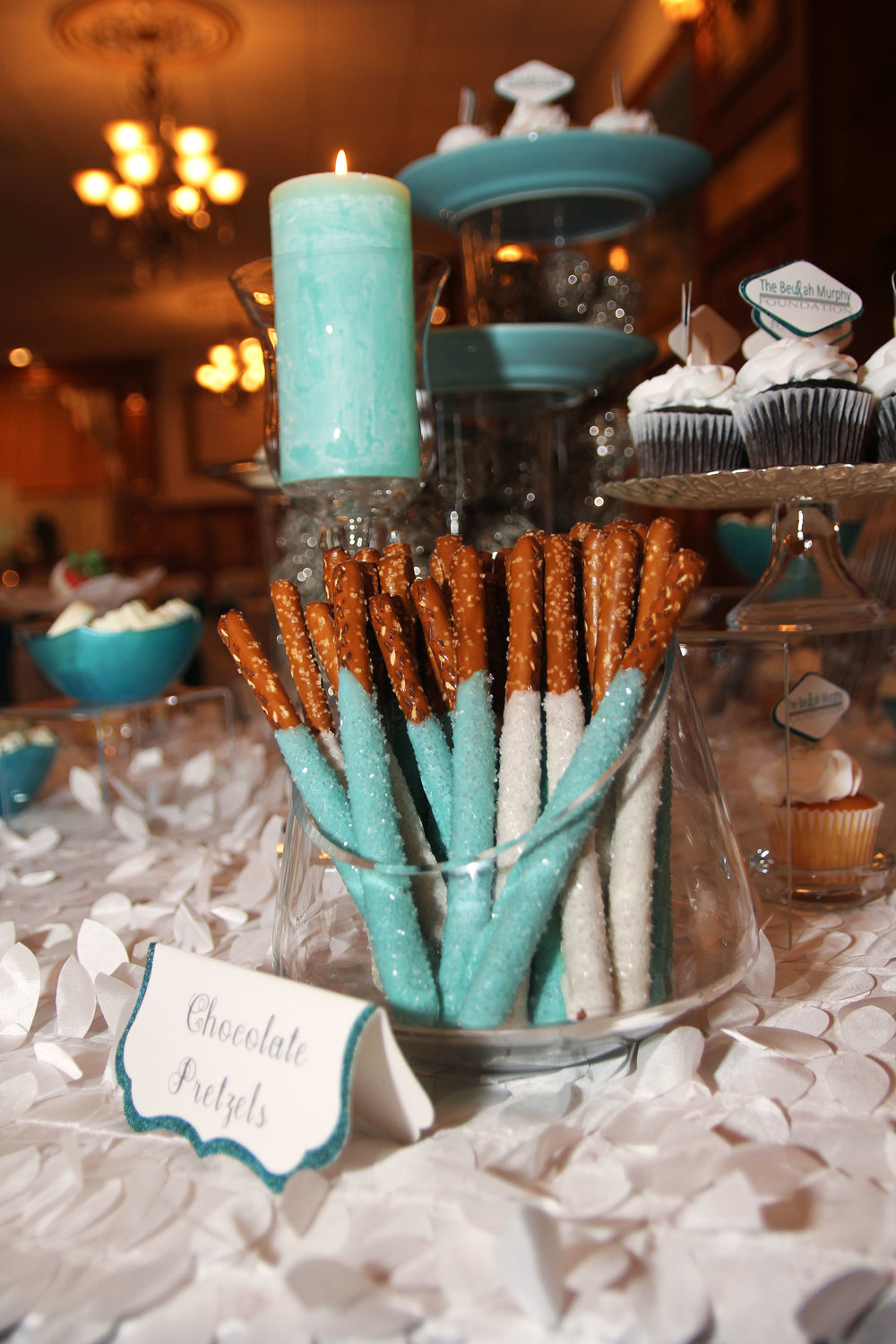 teal-and-white-chocolate-pretzels