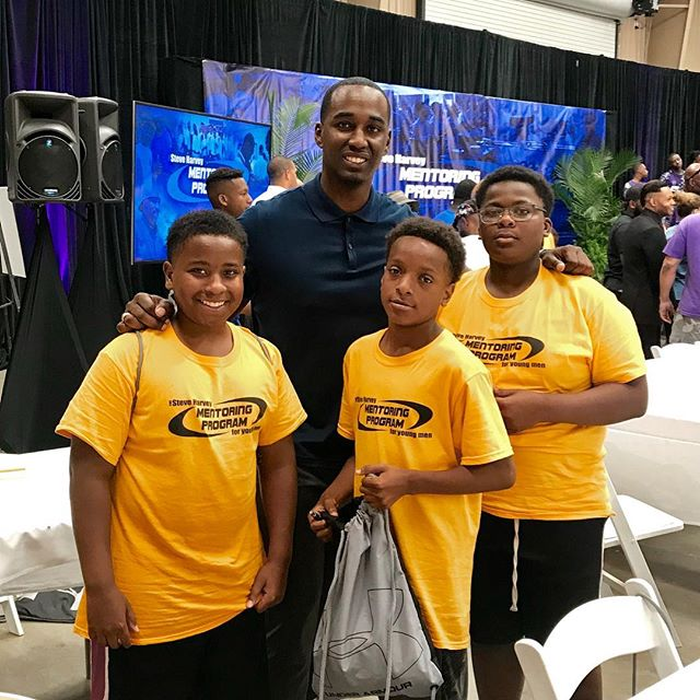 This morning was great! I had the pleasure of being a mentor for @IAmSteveHarveyTV mentoring program for young men. The @Harvey.Foundation has something special going on, each year they fly young men and their moms out to Atlanta. The young men get a chance to stay on a camp site and learn how to be men from other men around the world since their fathers are not in their lives. And the mothers take workshops on how to raise their sons. This was my second year at the camp and I cannot wait to help out with the Atlanta programs this year. #HarveyFoundation