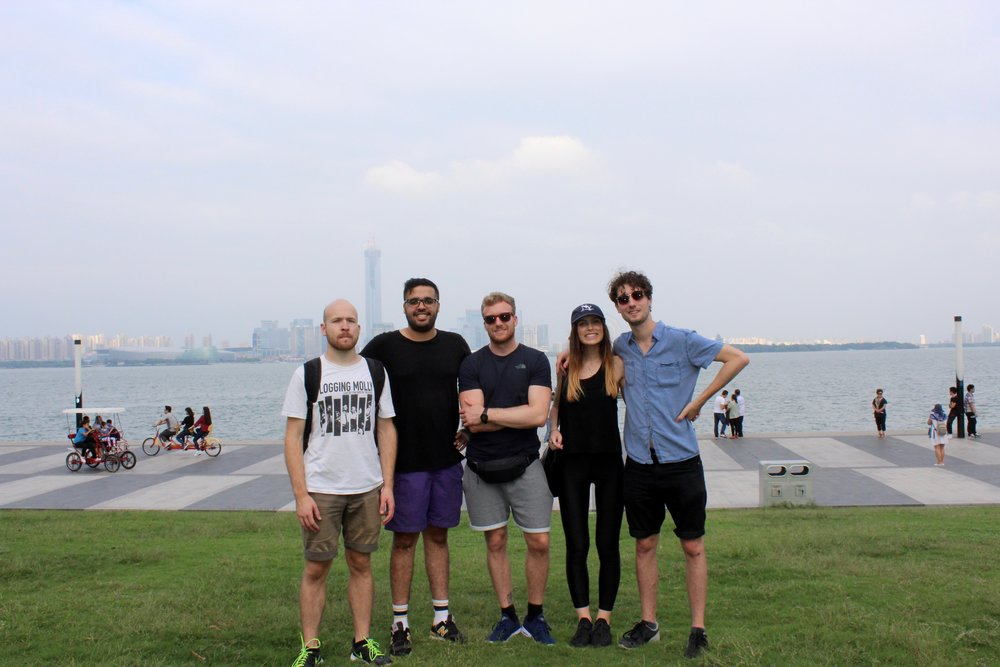 Group photo at Jinji Lake.