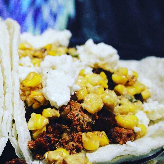 Fresh chorizo elotes  #tacos #tacoporn #chicagohustles #justgivemethelime