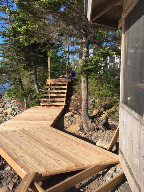 A view to the steps that lead to the beachouse.