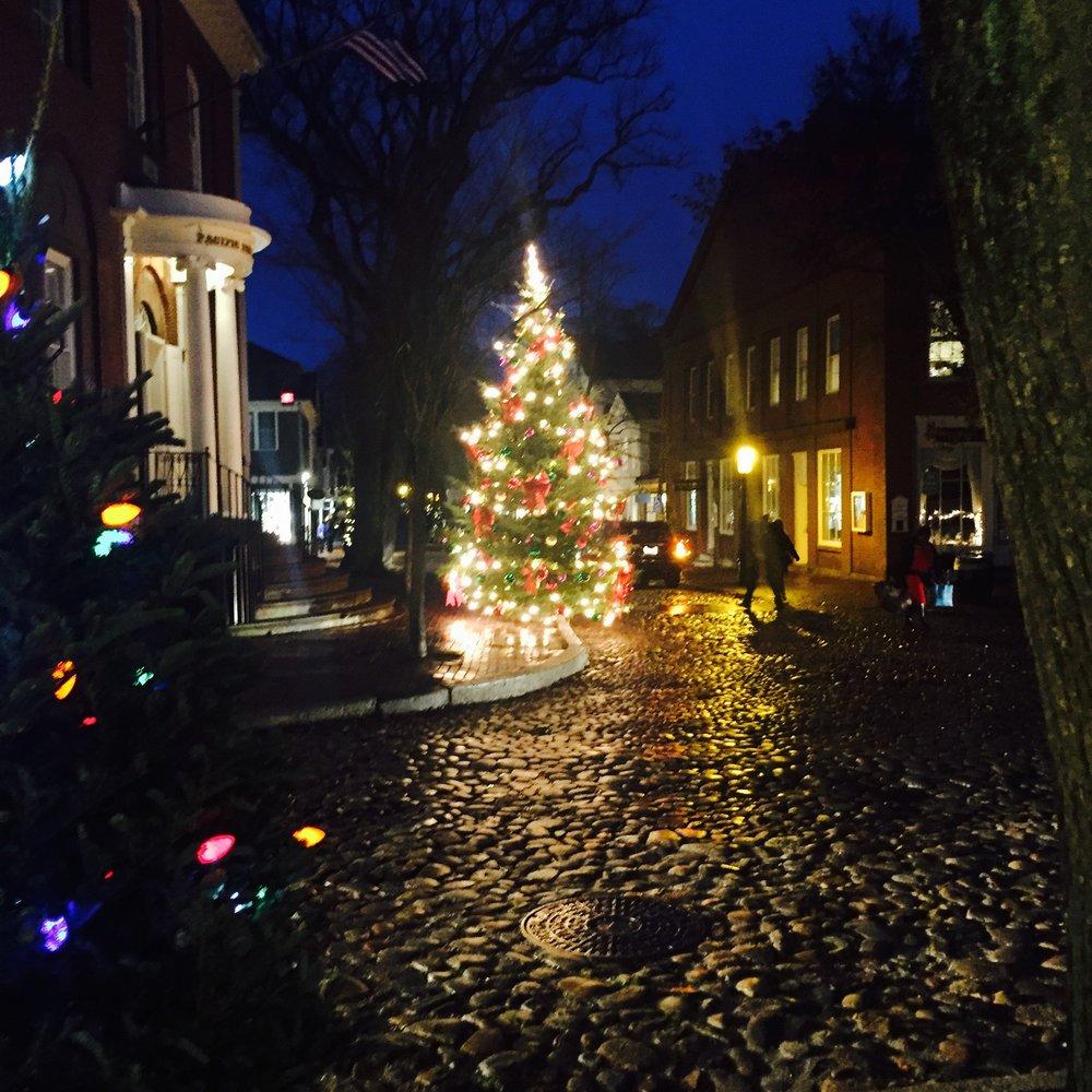 a glittery nantucket christmas stroll