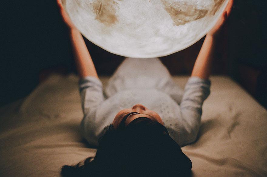 moon-lamp-luna-acorn-studio-6.jpg