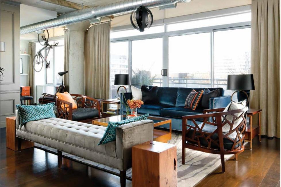 King-West-Bachelor-Suite-living-room007.jpeg