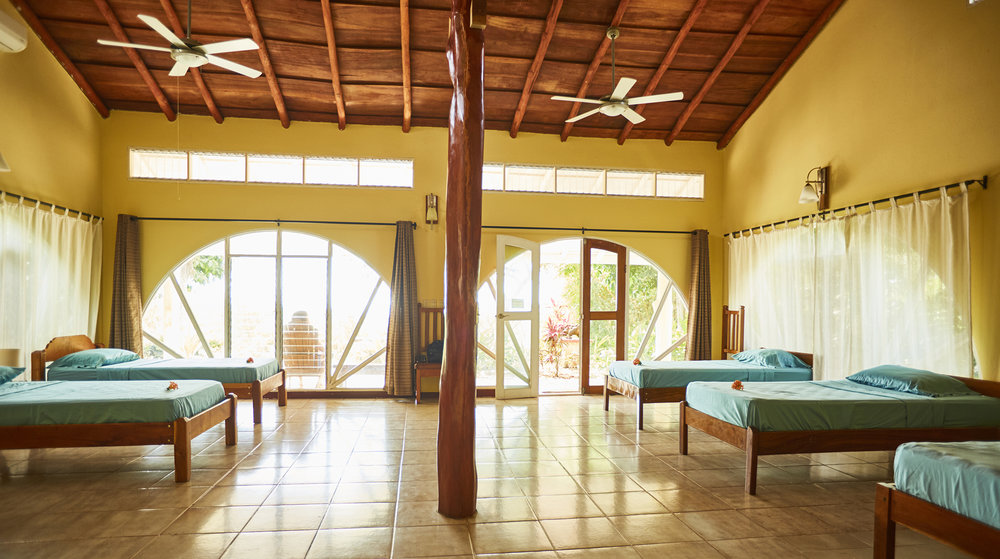 Rayos_Del_Sol_Costa_Rica_PA-RT_mono_2.jpg